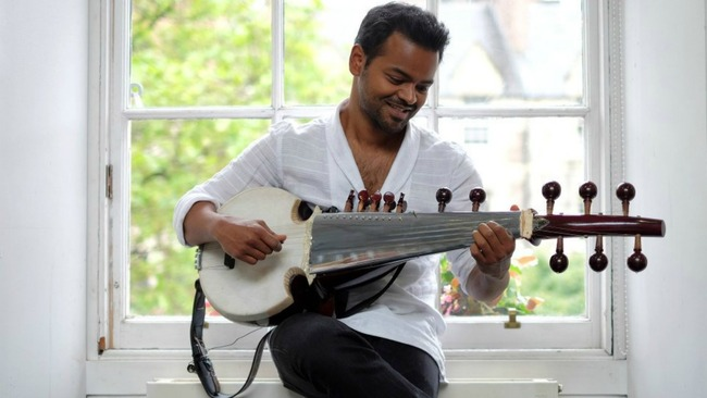soumik-datta with sarod.jpg