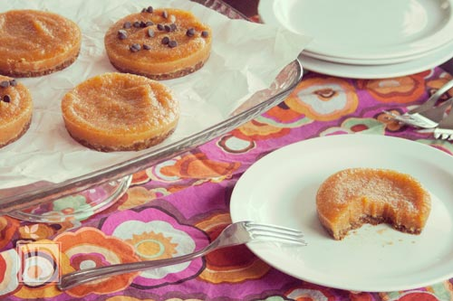 Mini Frozen Raw Peach Pies
