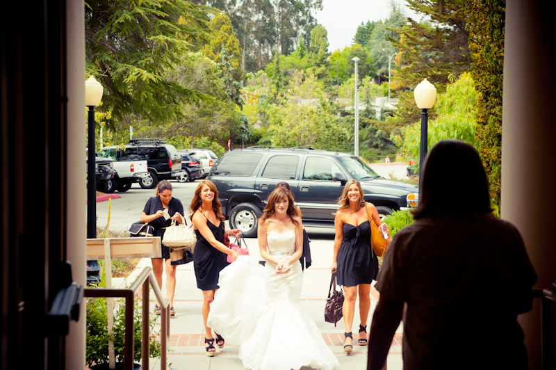Bridal party arriving to Sesnon House