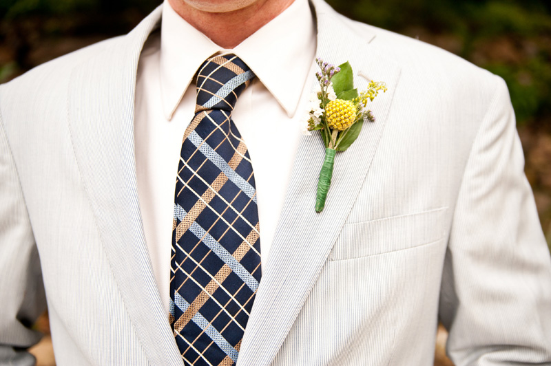Detail of groom's tie and boutonniere in Oakland, CA