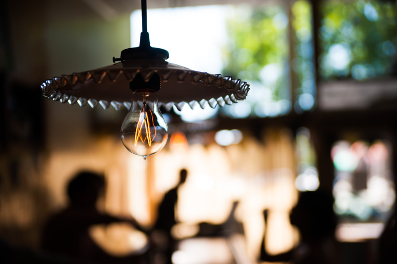 Detail of vintage lighting at Pizzaiolo