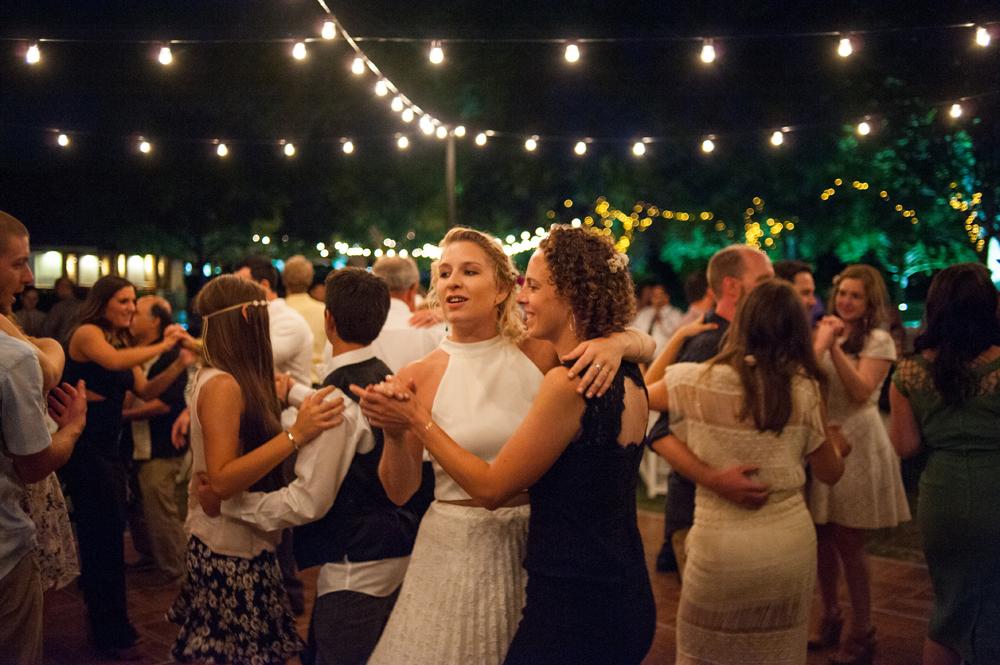 Wedding guests dancing at Wente Vineyards