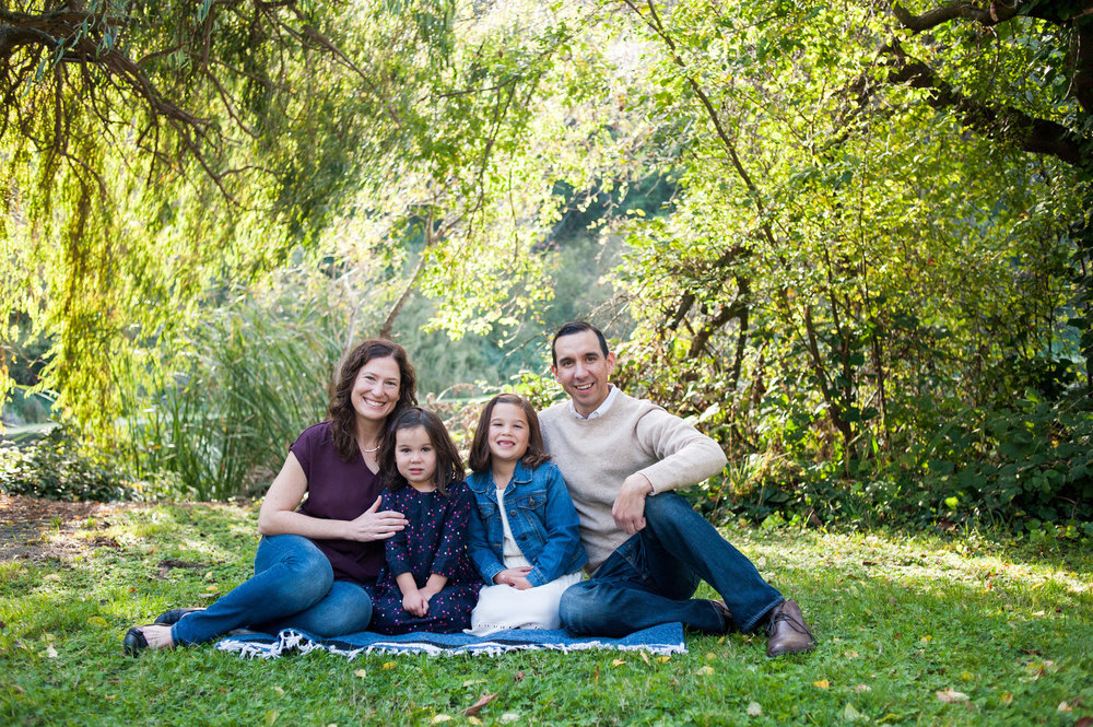 Family portrait session in Oakland park