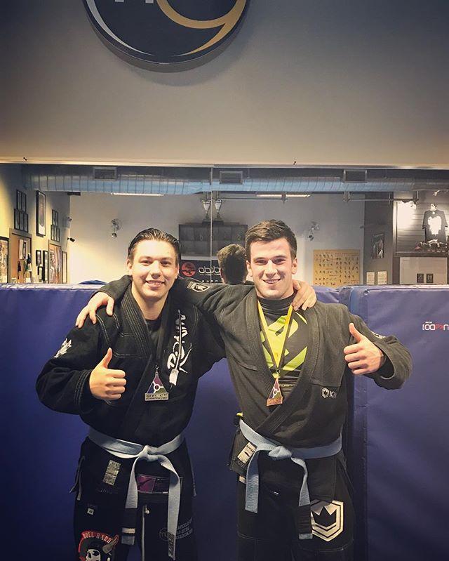 Deux de nos jeunes compétiteurs avec leurs médailles, bravo guys, bien mérité!! Vince, Luka, vous motivé les autres élèves à se dépasser! #drillrollhavefun #marcelogarcia #trainhardfighteasy