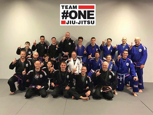 Team One Jiu-Jitsu maintenant à Delson!! #drillrollhavefun