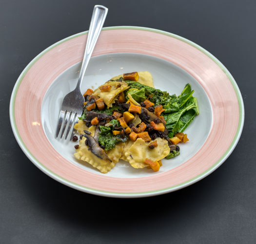 Butternut squash & cheese filled ravioli - with sautéed kale, mushrooms and currant spiked bone brothNF DF KF (Vegetarian upon request. Not available Vegan or Dairy Free)1 Small- $14 (7 oz. Ravioli, 3 oz. kale+mushrooms+currants, 2 oz. broth)1 Large- $20 (10 oz. Ravioli, 5 oz. kale+mushrooms+currants, 5 oz. broth)2 Large packed together for one reduced price $38