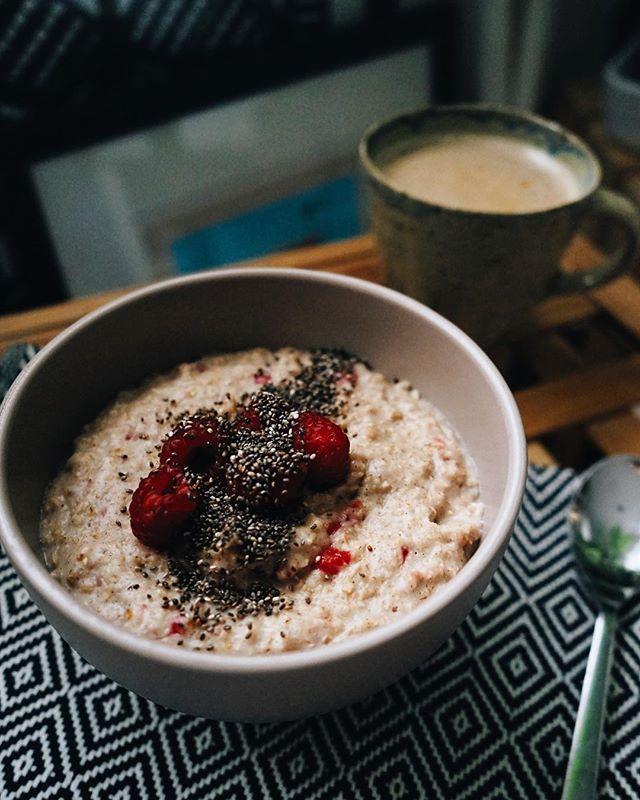 Raspberry porridge 🥣
