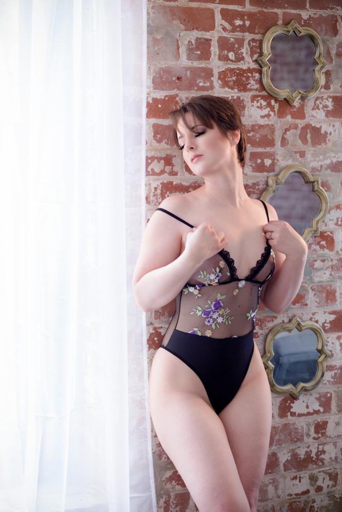 boudoir photographer studio columbus, sexy photo shoot, lingerie pictures ohio, columbus glamour, pics, beautiful photos, boudoir photographers