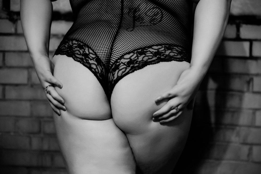 Columbus Ohio Boudoir Photographer, boudoir photography ohio, columbus sexy photo shoot, lingerie pics, grooms gift, bridal boudoir, plus size boudoir, big girl sexy photos