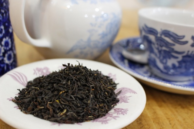 English Breakfast Traditionally a blend of Assam and Ceylon teas to create a pungent and flavoursome tea. A decaffeinated option is also available.