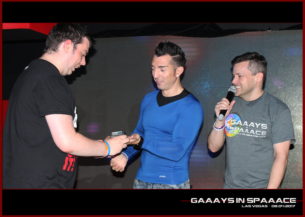 GIS-VEGAS-8-4-17-DanDeevy-JimmyDurano-Tricorder-Winner-3.jpg
