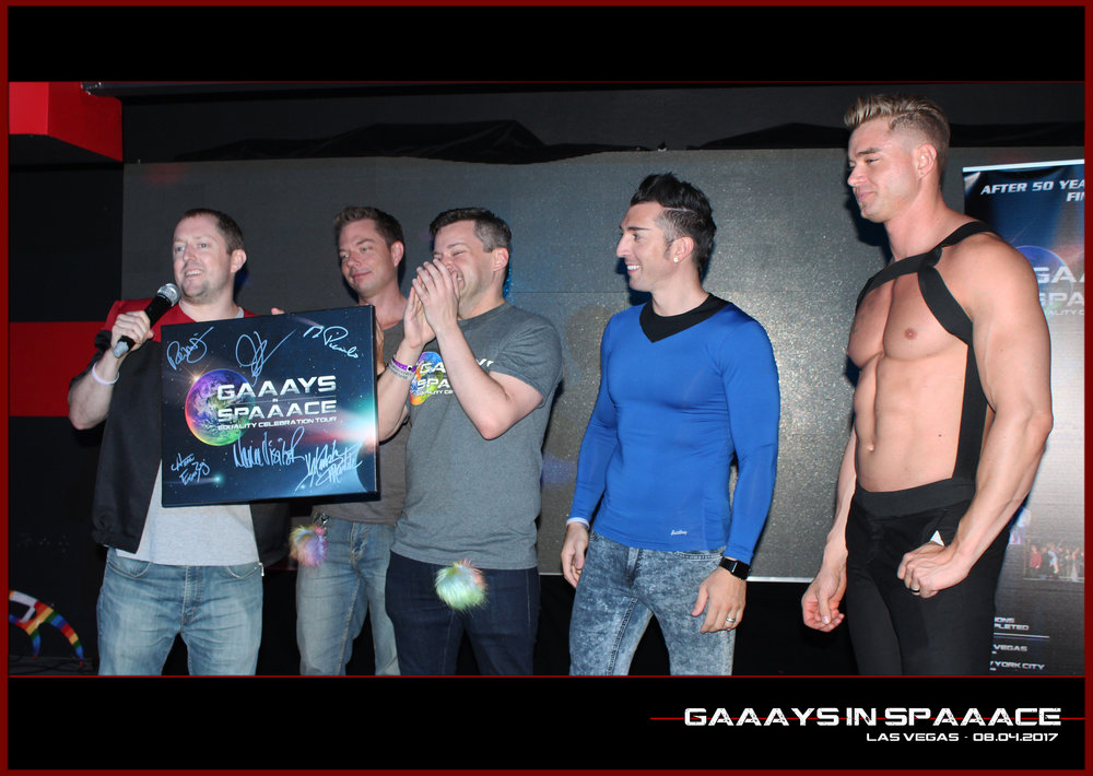 GIS-VEGAS-8-4-17-DanDeevy-RandyFrank-JimmyDurano-ChazVorrias-on-Stage-with-Winner.jpg