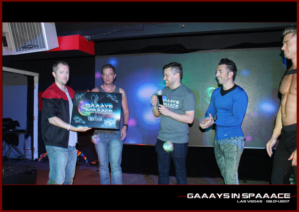 GIS-VEGAS-8-4-17-DanDeevy-RandyFrank-JimmyDurano-ChazVorrias-on-Stage-with-Winner-2.jpg
