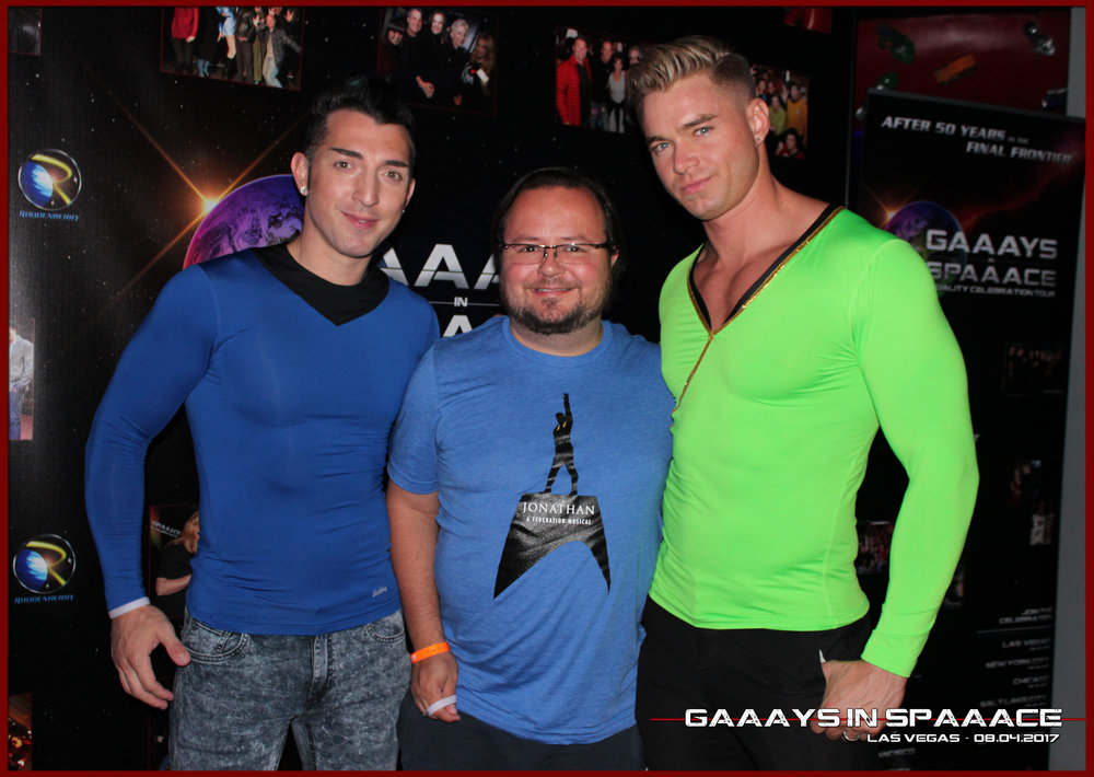 GIS-VEGAS-8-4-17-JimmyDurano-ChazVorrias-Fan-26.jpg