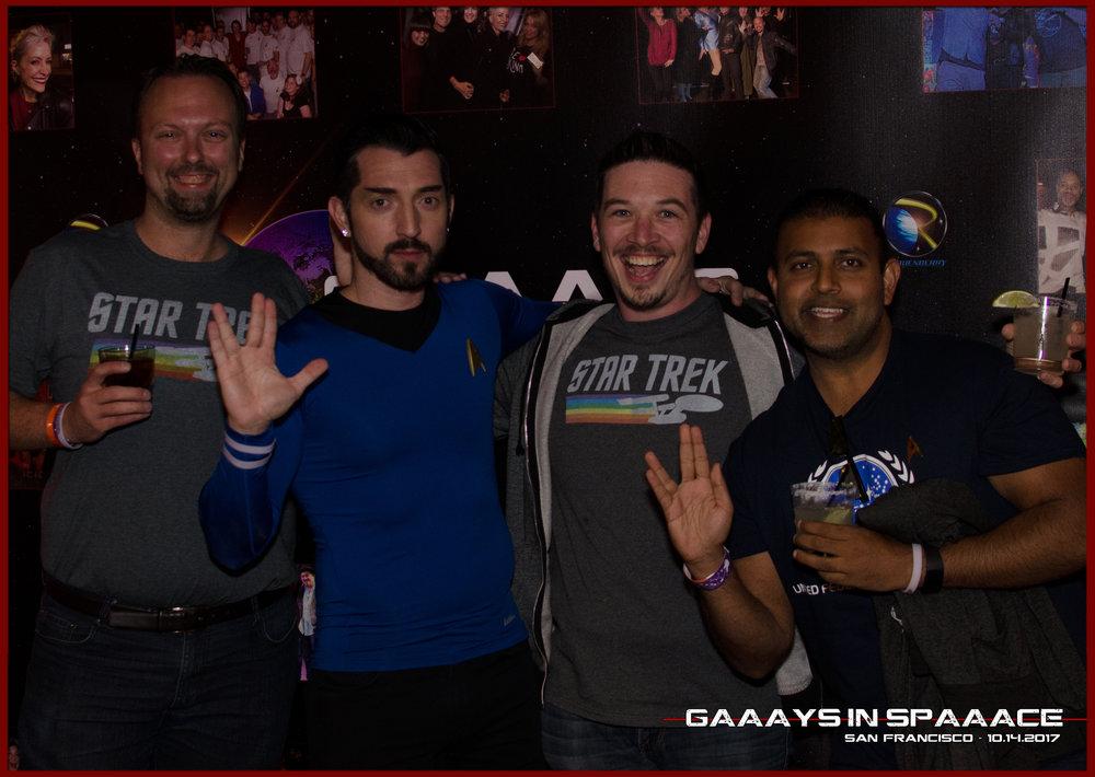 33-GIS-SF-10-14-2017-JimmyDurano-Fans-1.jpg