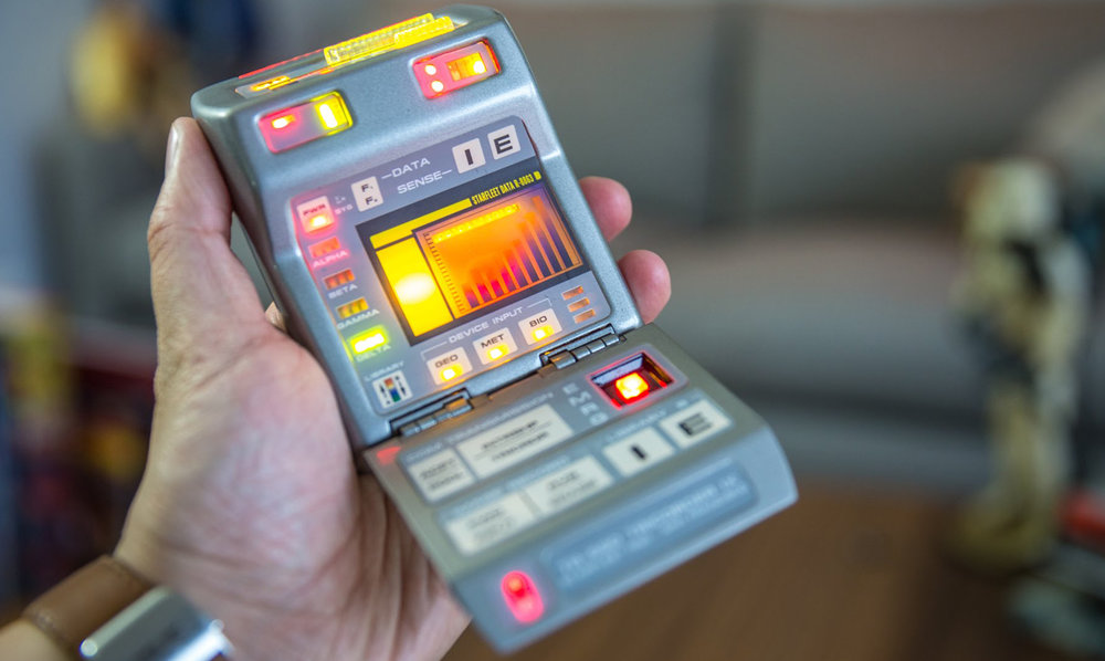 TNG TRICORDER IX w/LIGHTS & SOUNDS