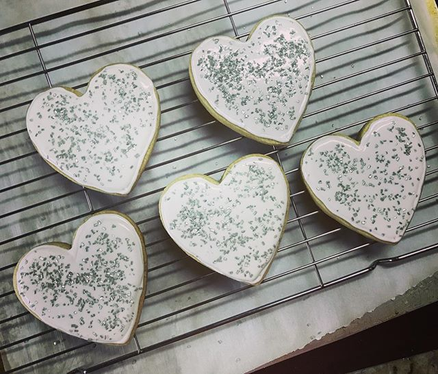 Early mornin' cookie project 🍪💗🍪💗 #cookiesforbreakfast #clientgifts #customgifts #sprinkles