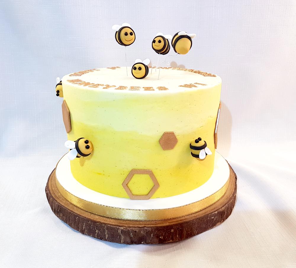 Cakes — Sweet Dee\'s Bakery