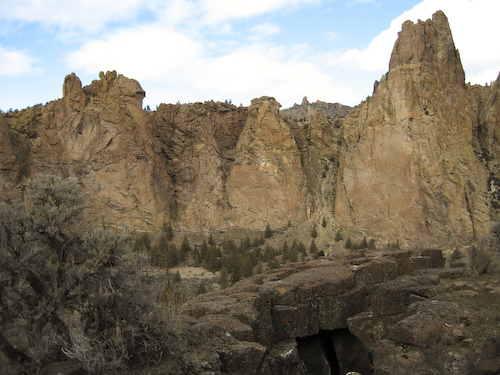 Eagle's nest on Little Three Fingered Jack.