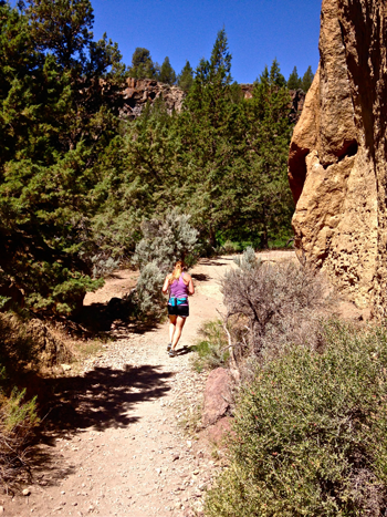 trail runner on River Trail at Smith Rock State Park
