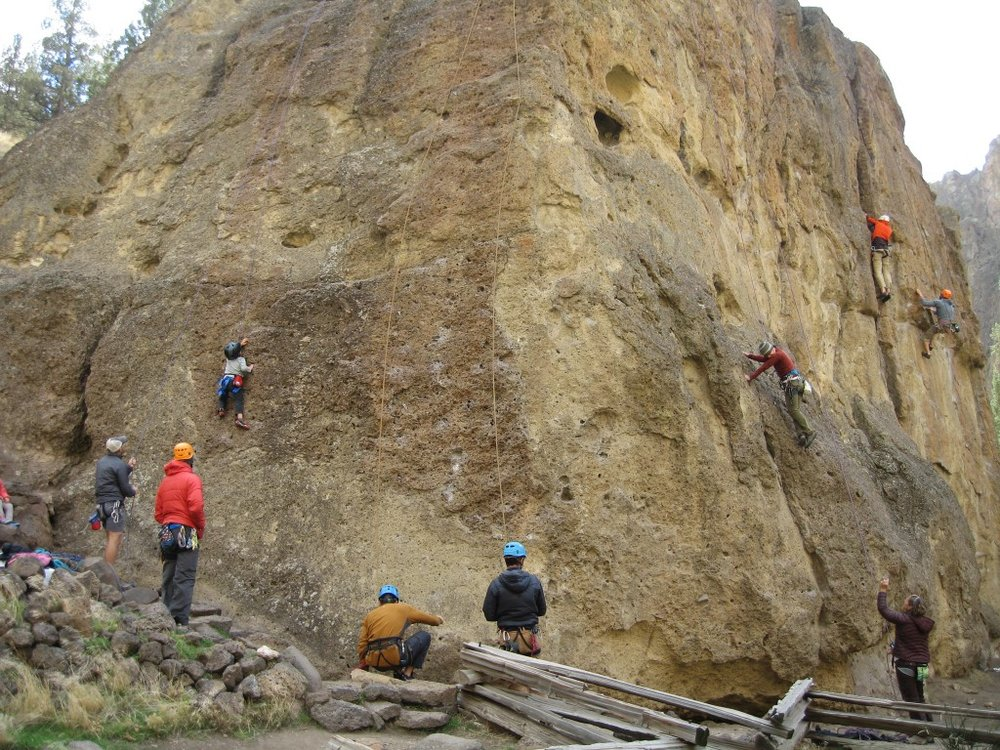 climbers on Rope-De-Dope at Smith Rock State Park