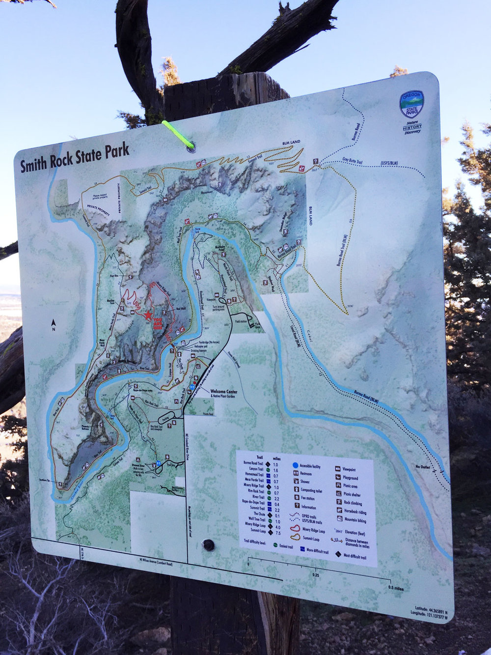 A map at the summit of the Misery Ridge Trail shows your position and marks the path to the rest of the ridge trail at Smith Rock State Park.