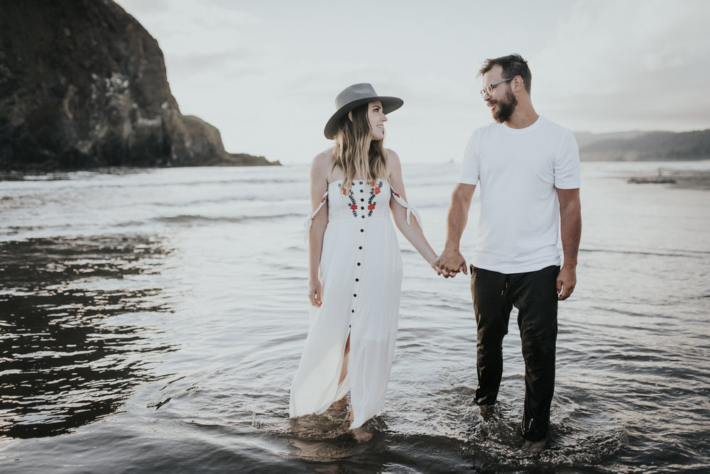 Cannon Beach Haystack Rock Engagement Rustic Moon Photo-174.jpg