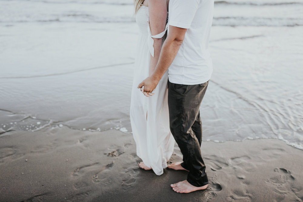 Cannon Beach Haystack Rock Engagement Rustic Moon Photo-193.jpg