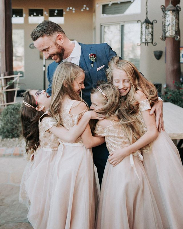 When the groom gets all the flower girl love! Putting the finishing touches on this gallery today ❤️