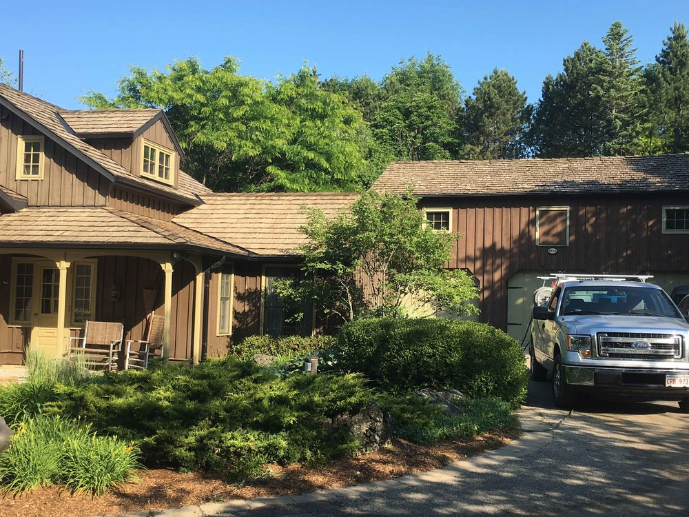 Non-Pressure Cedar Shake Roof Cleaning