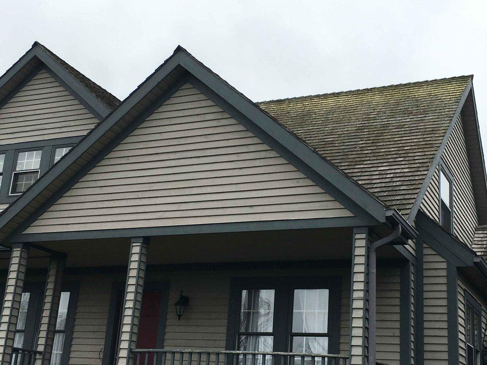 Cedar Roof Cleaning Toronto, ON