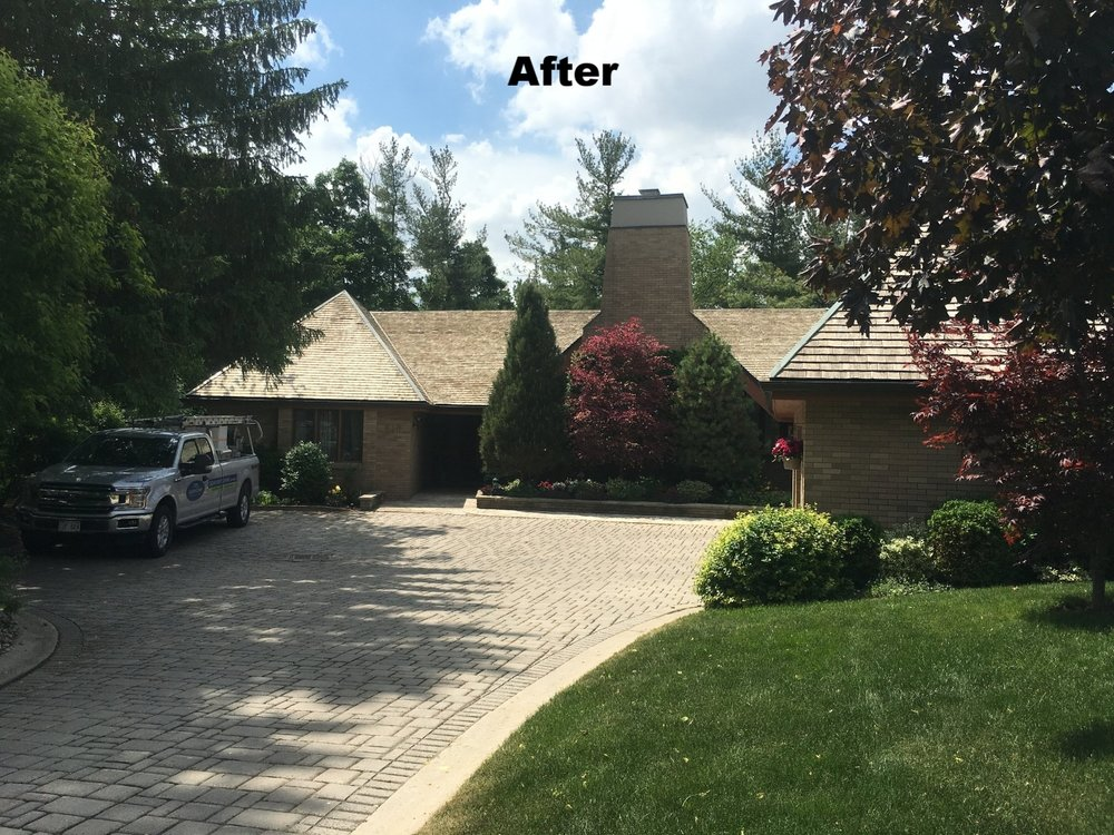 Cedar roof stain removal Mississauga