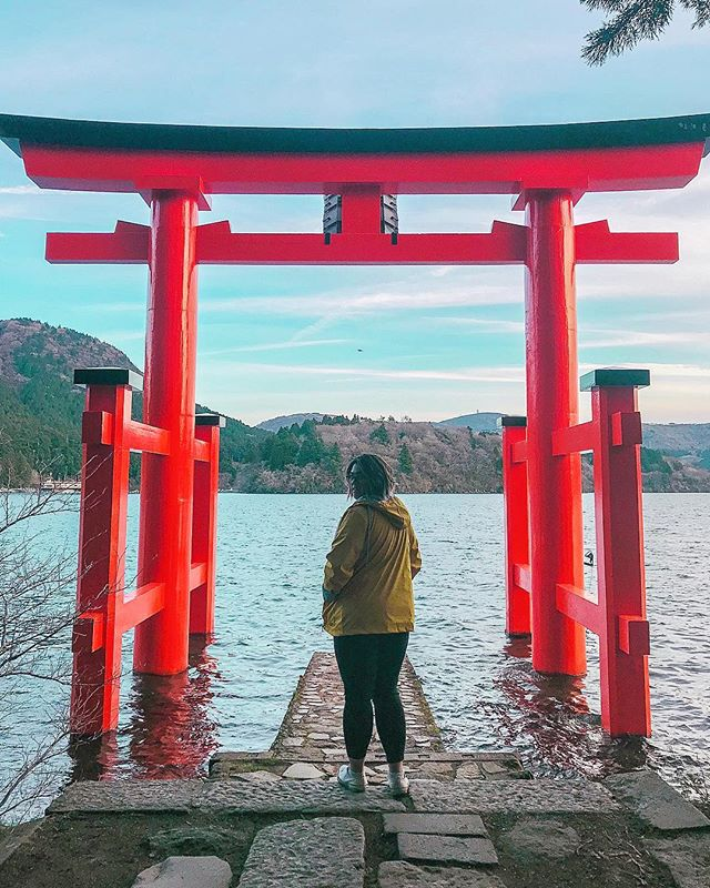 Spent most of the day in Hakone admiring the breathtaking views of Mount Fuji and it's surrounding icons ⛩  Where according to legend, the water gate is guarded by a dragon persuaded by a Shint� priest to be a protector of not only the shrine but of the town of Hakone. �  What are your fave breathtaking places?  Day 2: Shinjuku, Hakone, Shibuya