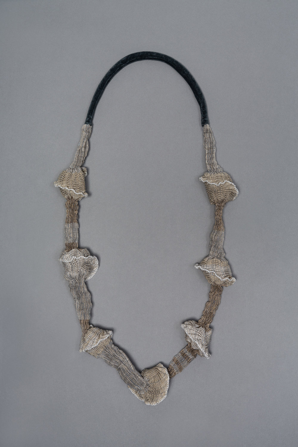 Pleated necklace