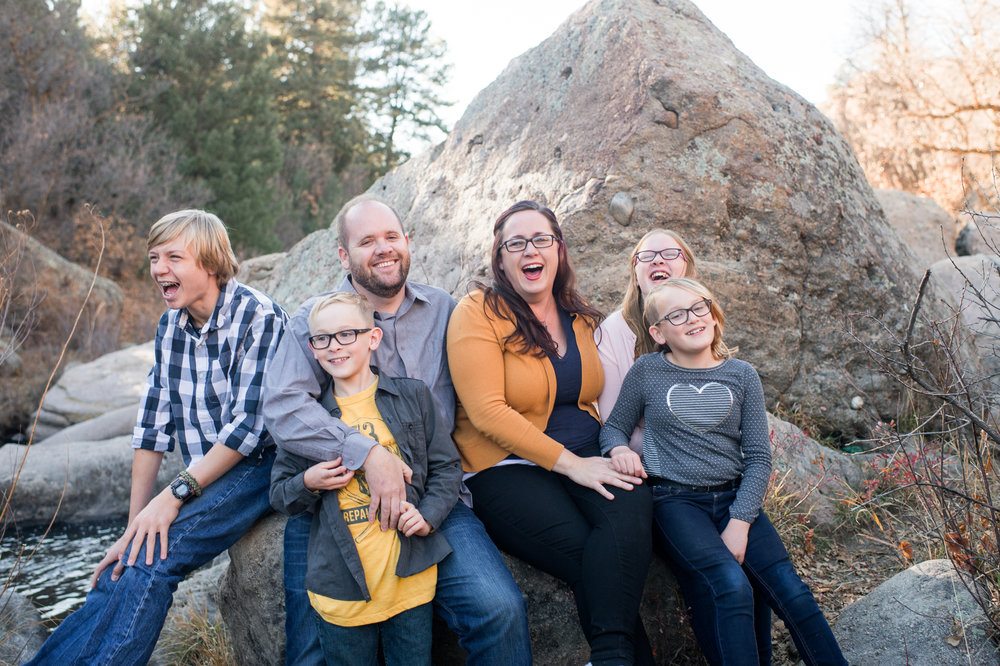 Love real smiles like these from fellow photographers Randy + Ashley Studios! Keep reading for my tips about how to get better photos of YOUR family this Thanksgiving!