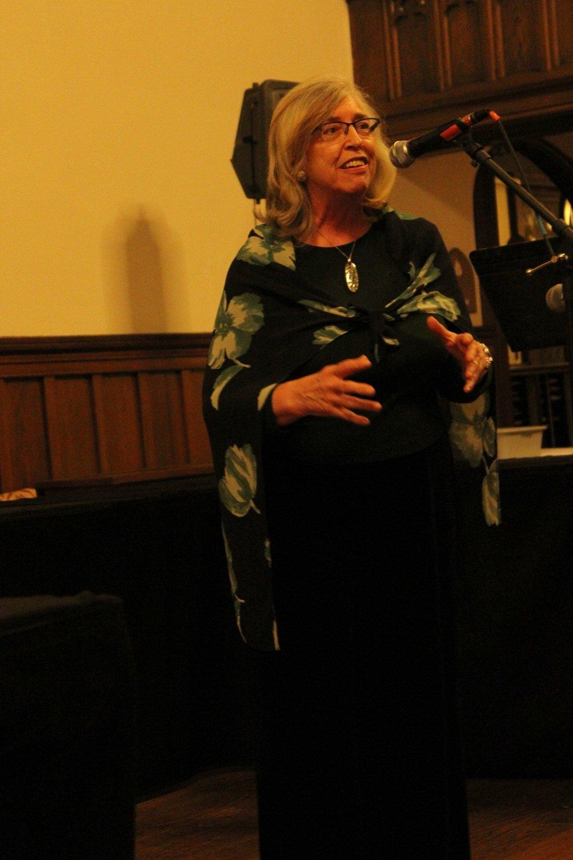 Elaine Wynne Telling the Peddlar 2.JPG