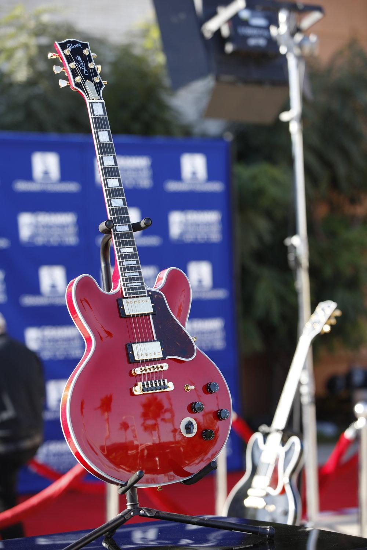 Gibson 3.JPG