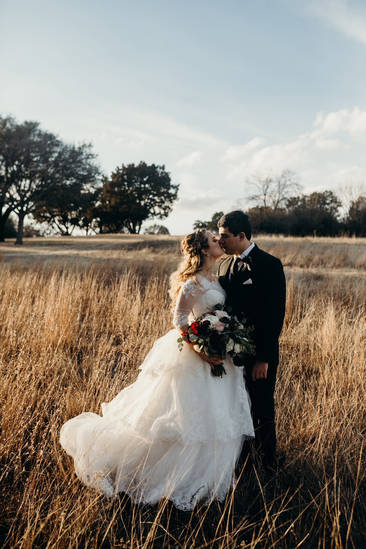 Art Deco-traditional-catholic wedding-carlisle room-dallas-texas-moth and moonlite photography_011.jpg