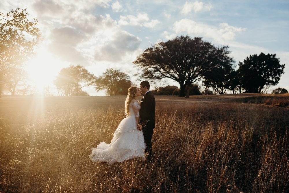 Art Deco-traditional-catholic wedding-carlisle room-dallas-texas-moth and moonlite photography_012.jpg