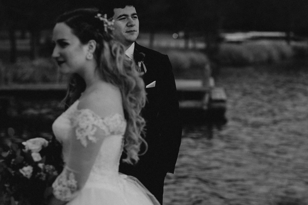 Art Deco-traditional-catholic wedding-carlisle room-dallas-texas-moth and moonlite photography_017.jpg