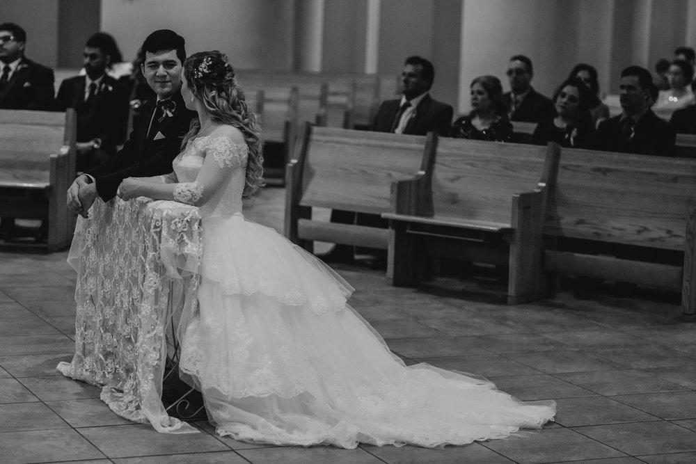 Art Deco-traditional-catholic wedding-carlisle room-dallas-texas-moth and moonlite photography_020.jpg