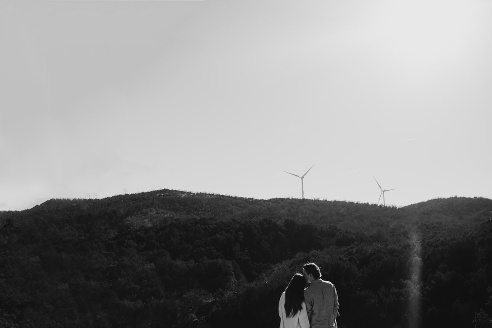adventurous-fall-engagement-session-turner falls- moth and moonlite photography_018.jpg
