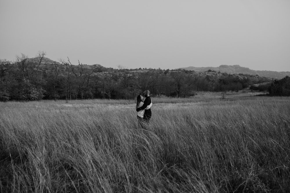 wichita-mountains-adventurous- engagement-session-moth and moonlite photography_009.jpg