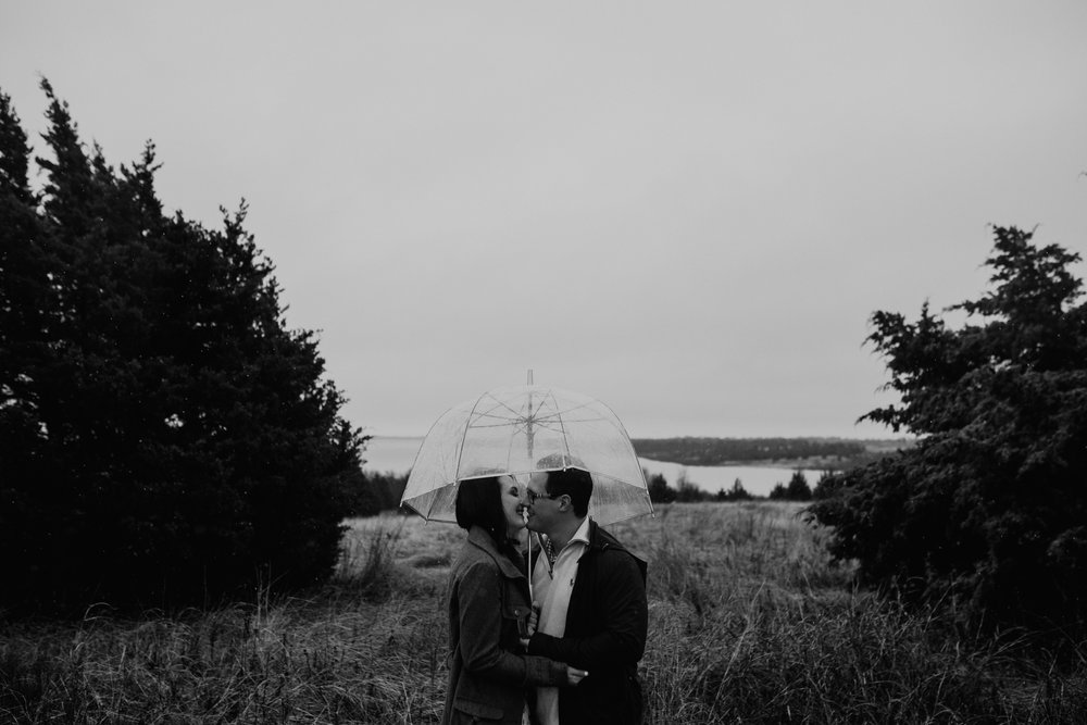 lake lavon-rainy-romantic-surpise-proposal-moth and moonlite photography_007.jpg