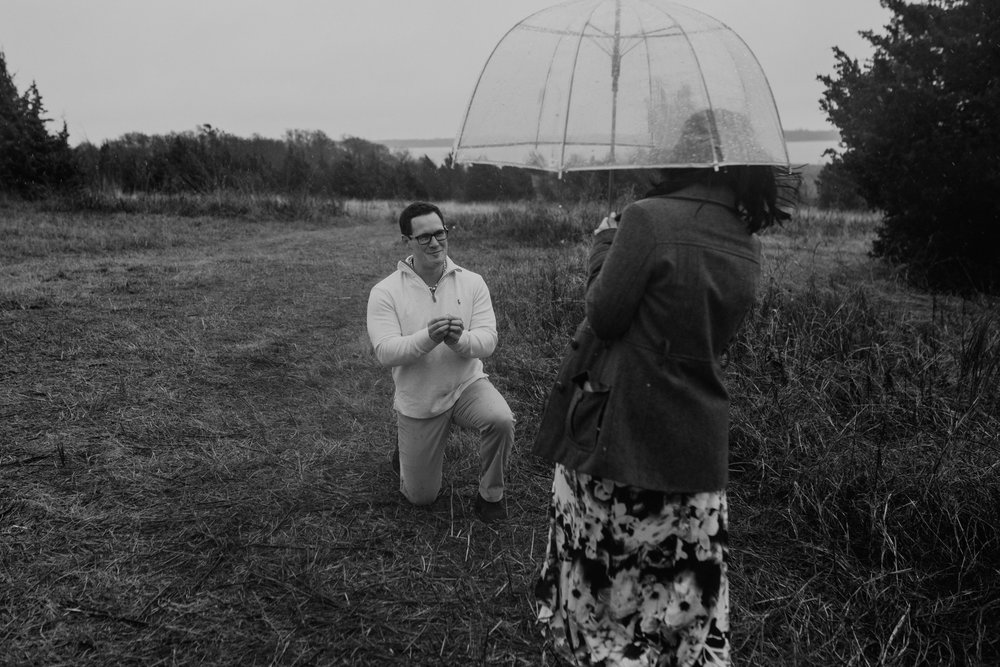 lake lavon-rainy-romantic-surpise-proposal-moth and moonlite photography_011.jpg