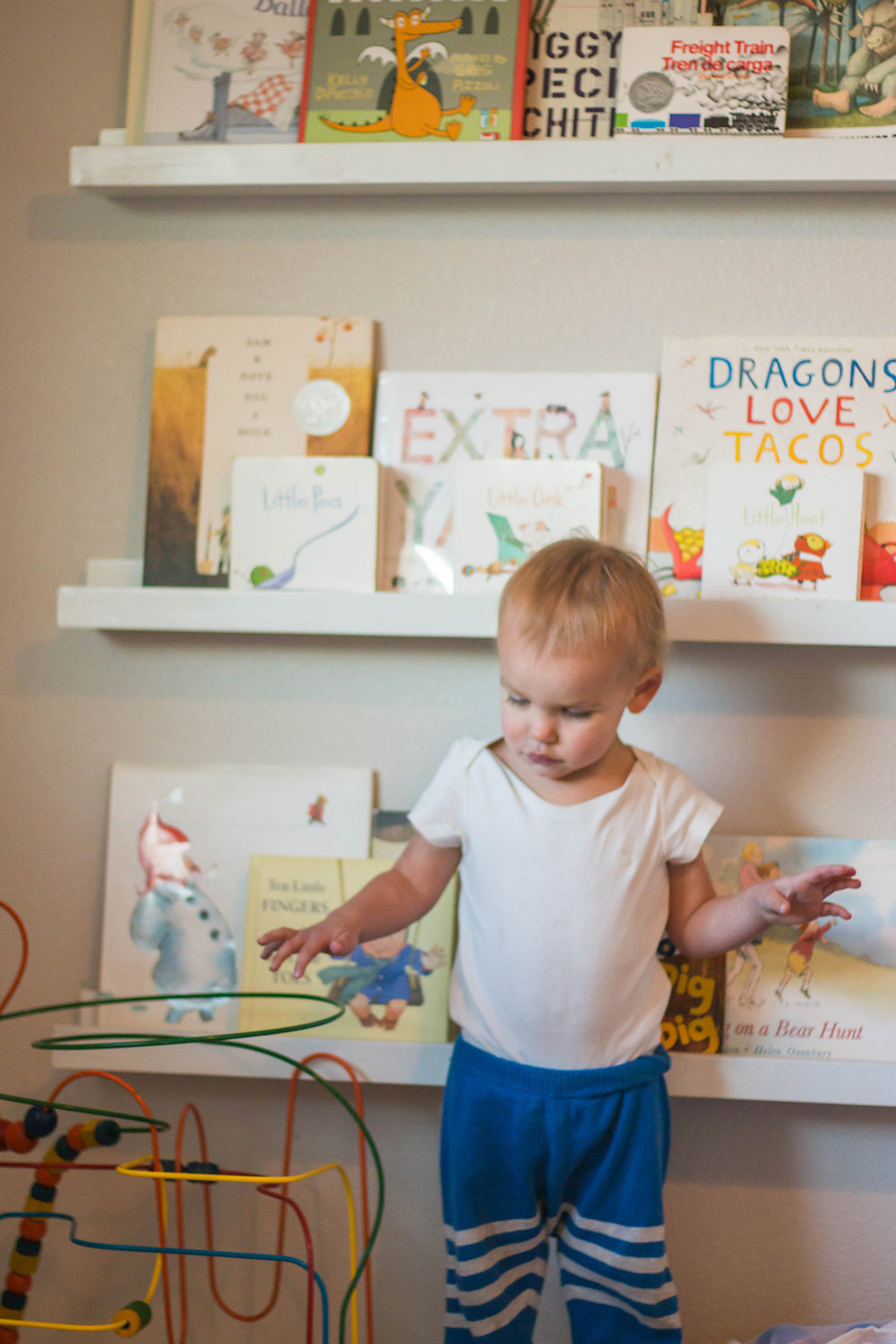 how to read to a one year old
