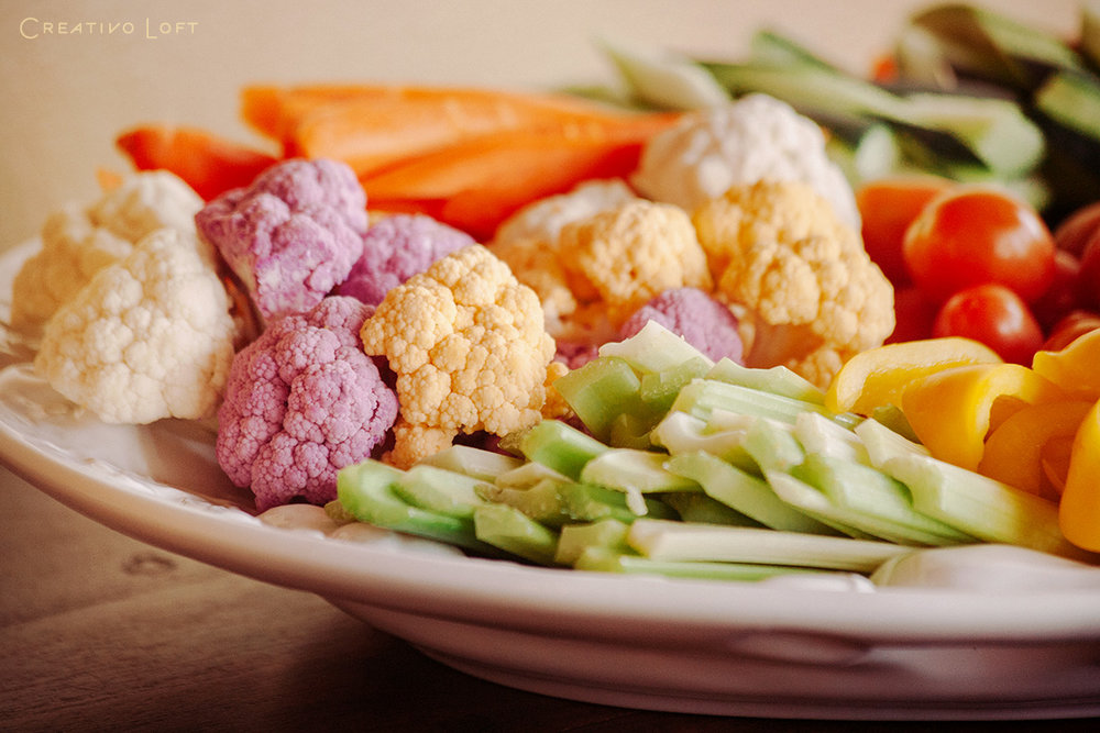 08-Creativo-elopement-package-catering-veggies.jpg
