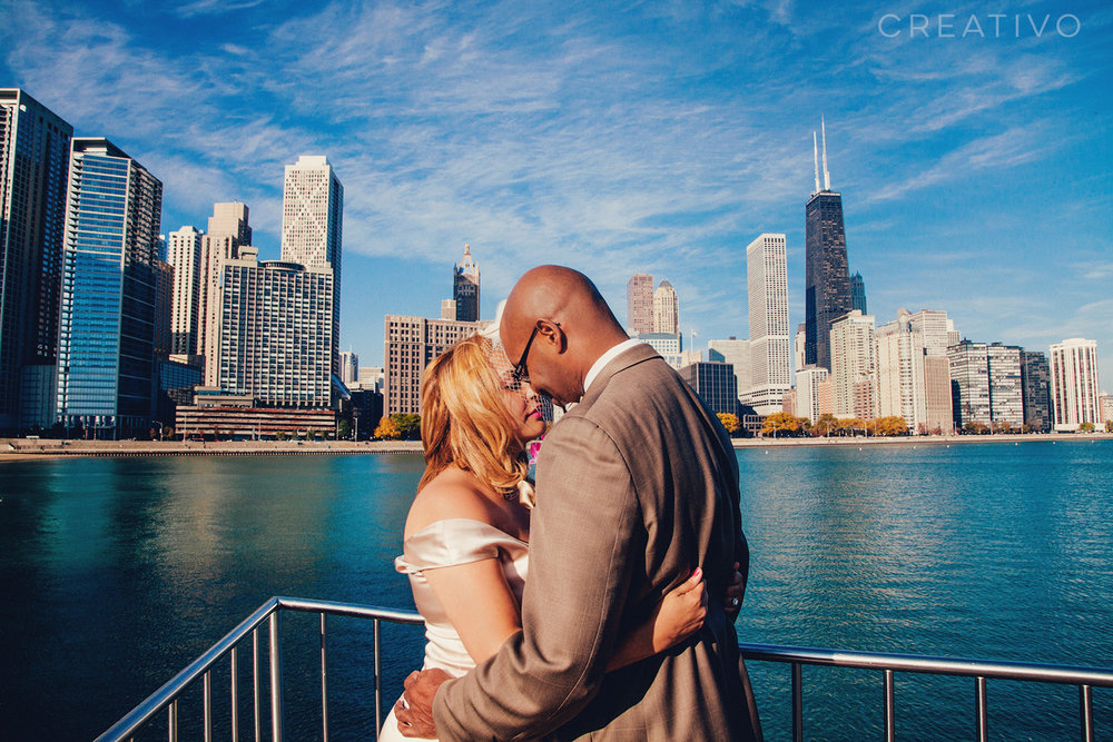 21. A morning elopement at a hidden gem lake and skyline park in downtown Chicago