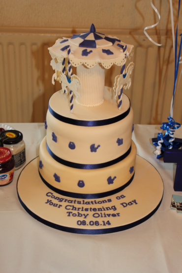 blueandwhitechristeningcake.png