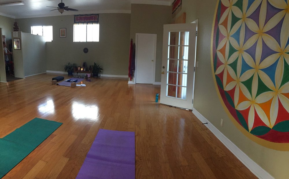 We had time for a quick yoga session at  Kalaheo Yoga